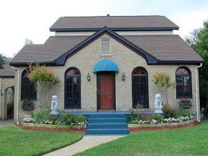 Galveston Realtors show historic neighborhoods